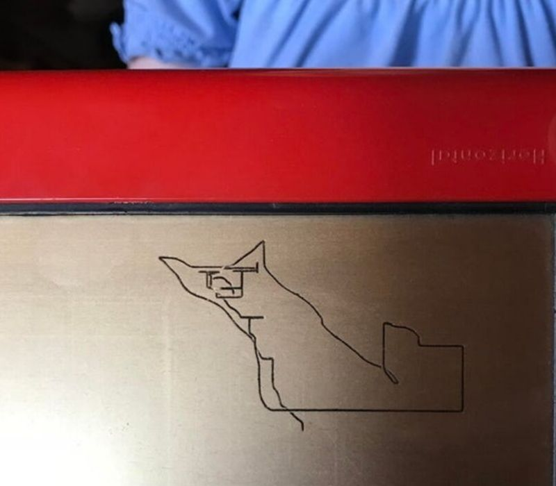 cat etch a sketch