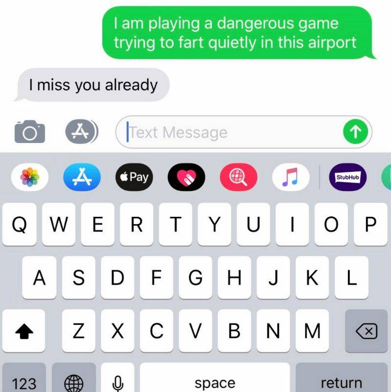 boyfriend and girlfriend text each other two different things at the same time