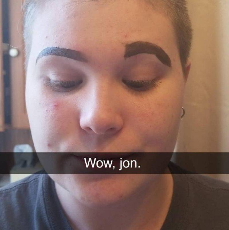 girl got her boyfriend to do her eyebrow and it is bad