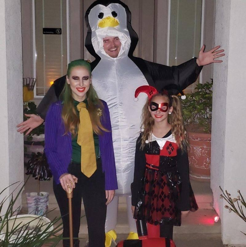 boyfriend dressed up as the wrong penguin