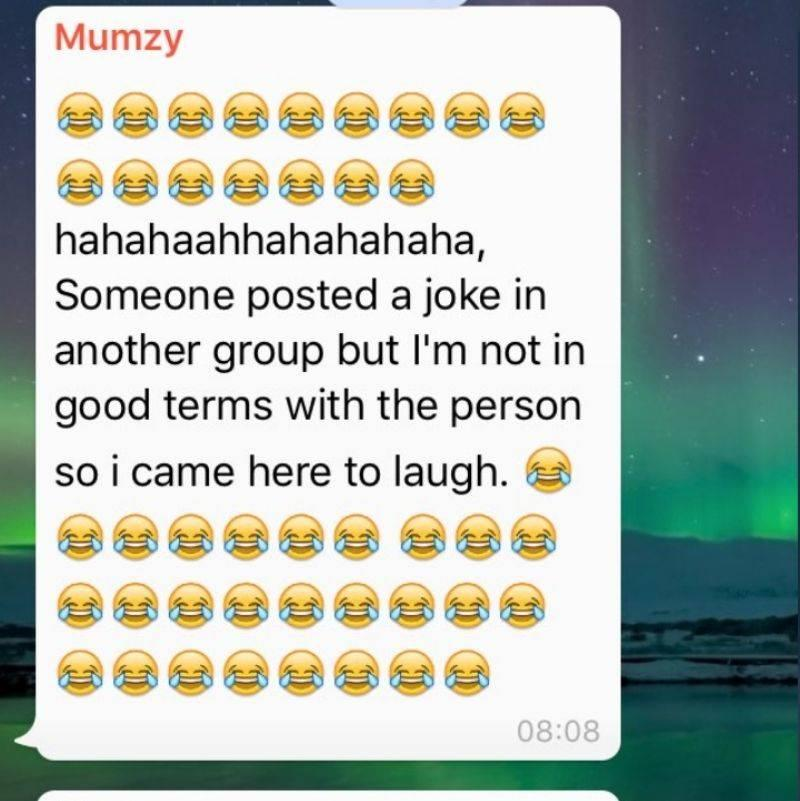 mom texted family group chat to laugh because she wasn't on good terms with the person who told the joke