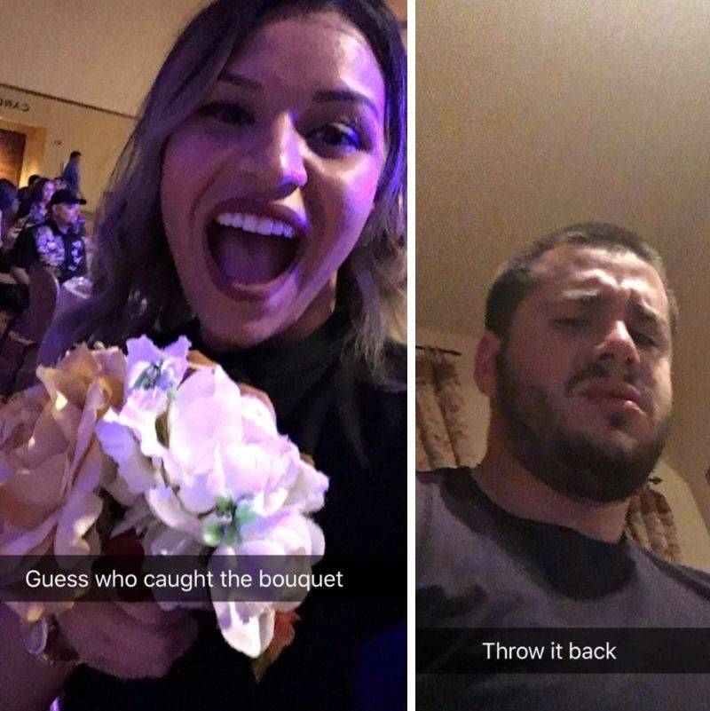 woman text her boyfriend she caught the flowers at a wedding and he told her to throw them back