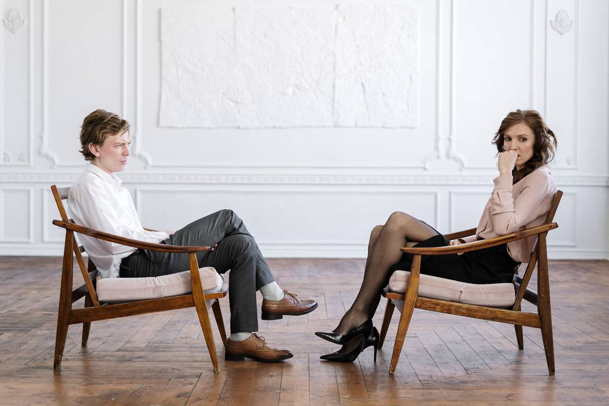 therapy couple seated