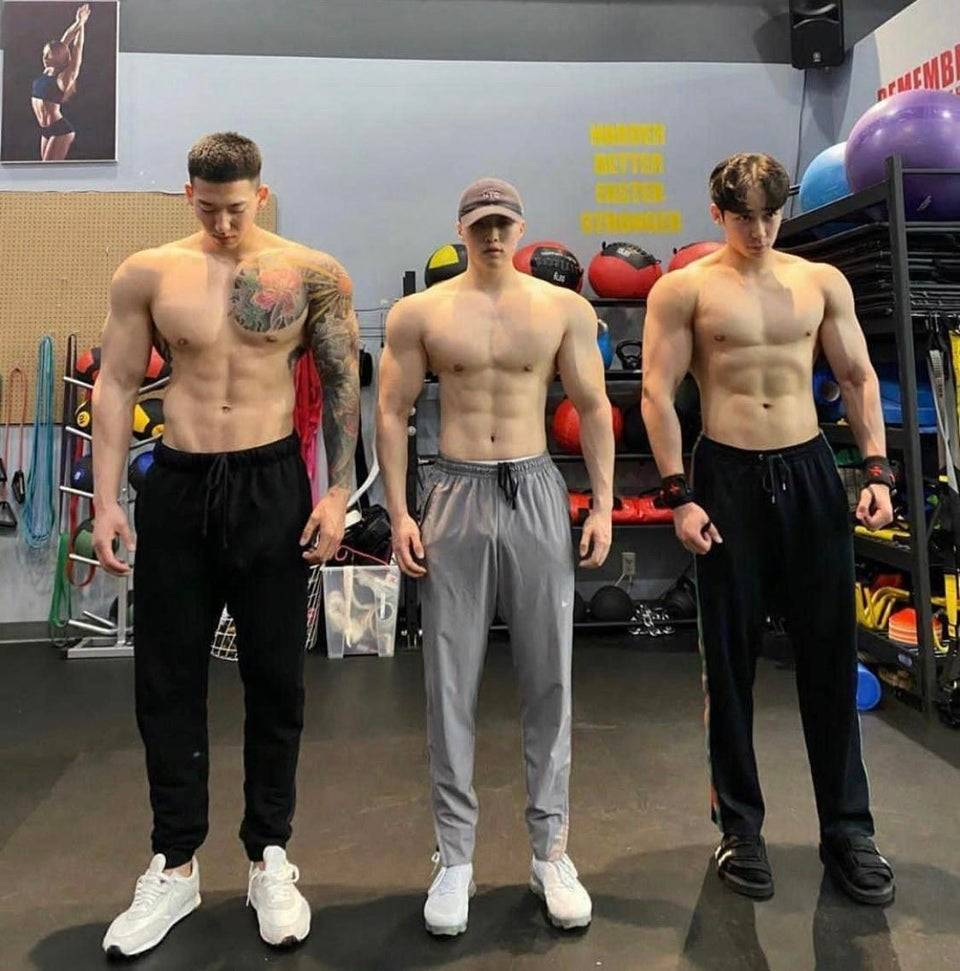 men with shrunken heads
