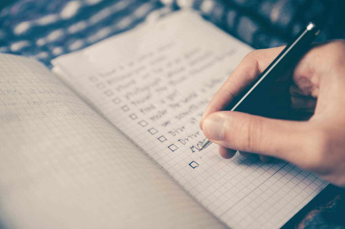 writing list in notebook