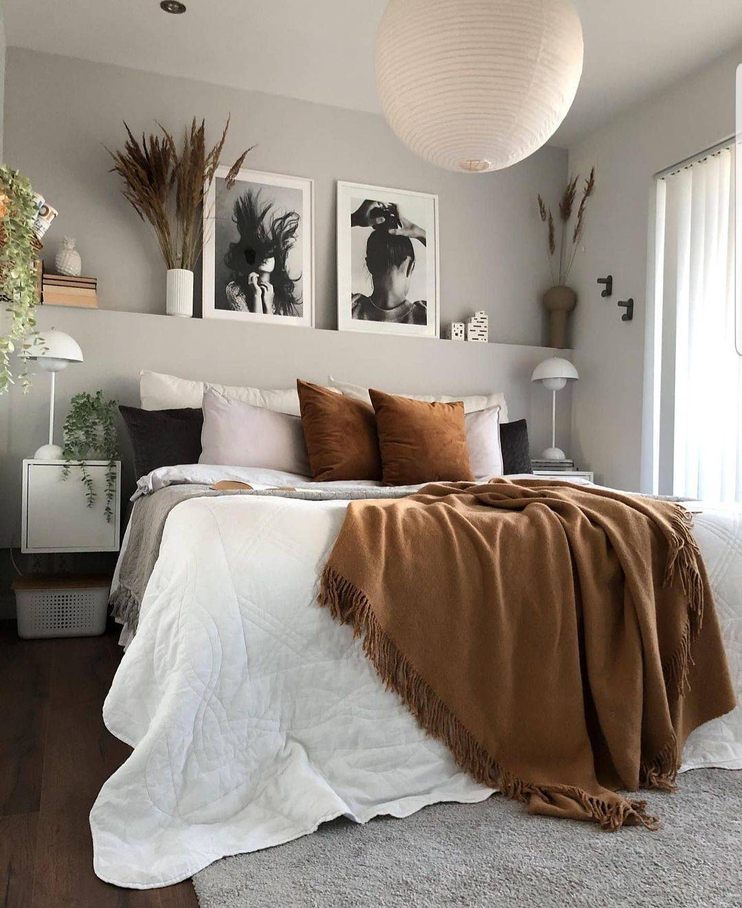a nice freshly decorated bedroom