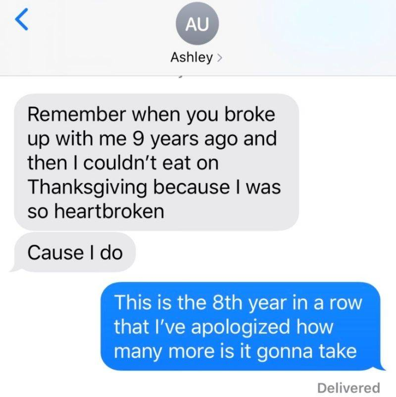 person gets a thanksgiving text every year from someone who reminds them that they broke up with them on thanksgiving nine years ago