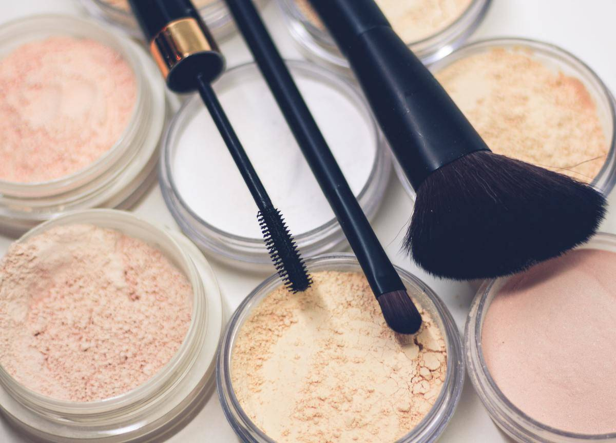 makeup powders and brushes