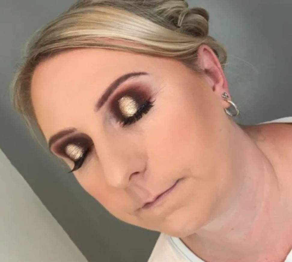 woman with horribly done eyeshadow it's just so bad