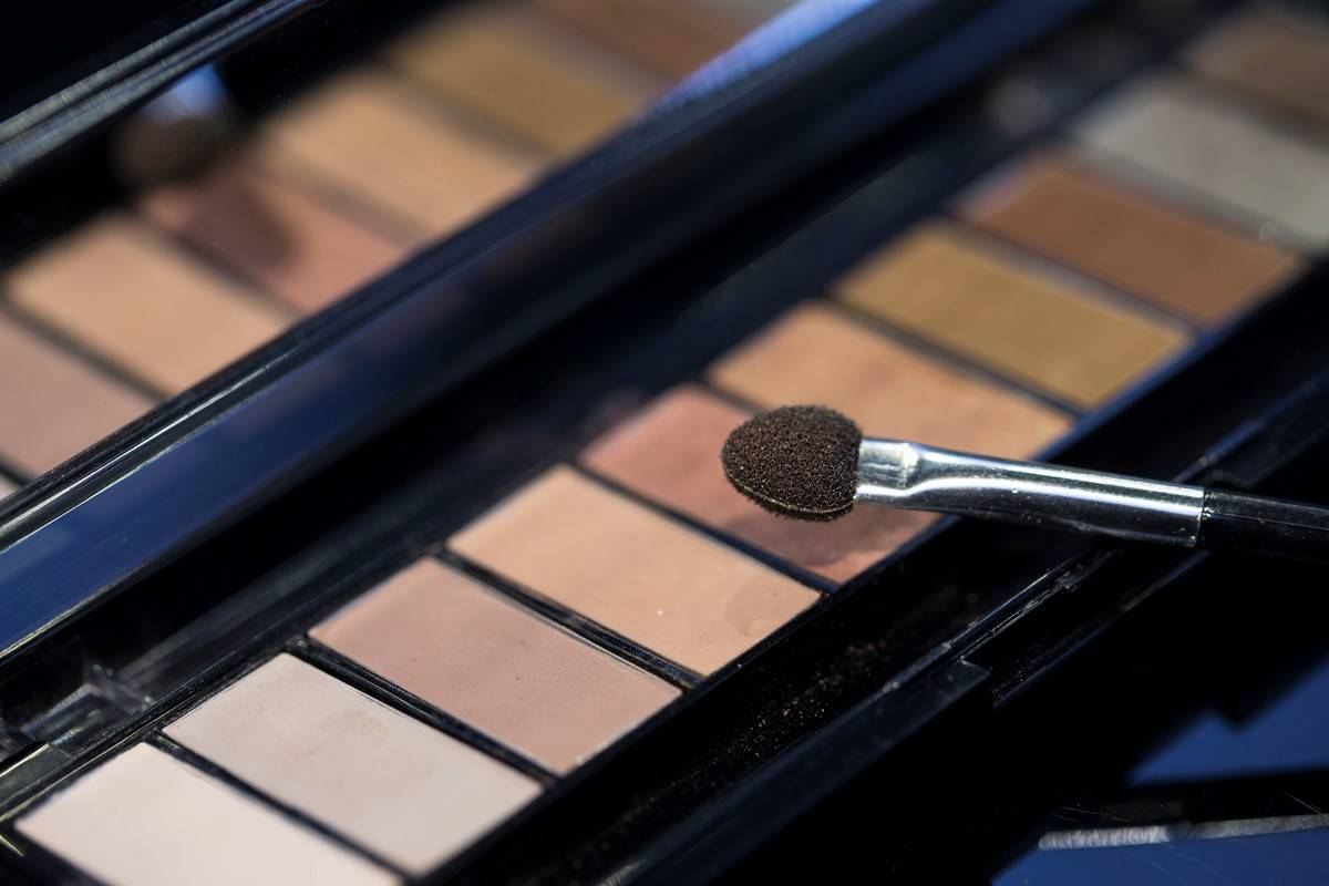 A photo shows the close-up of an eyeshadow palette and a brush at a make-up and cosmetic products shop in Ankara, Turkey on September 04, 2018