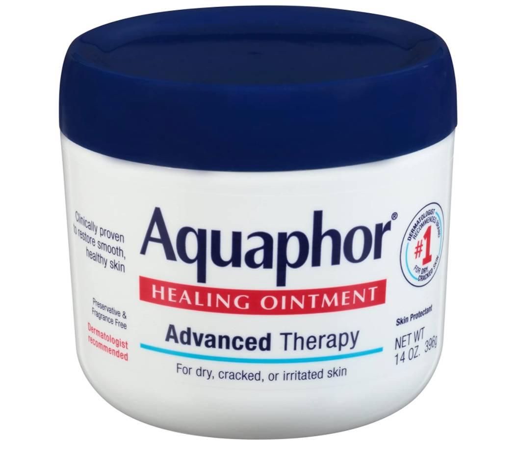 tub of aquaphor healing ointment