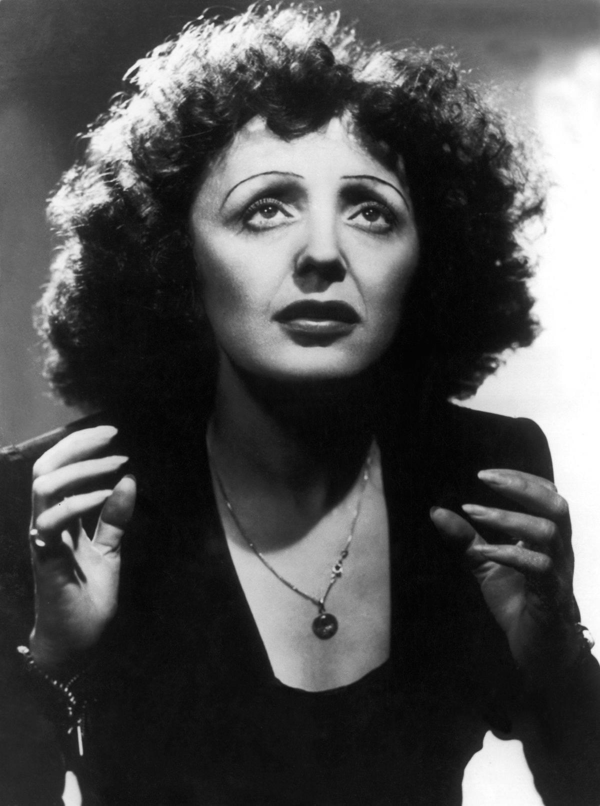 Edith Piaf On Concert At New York'S Play House