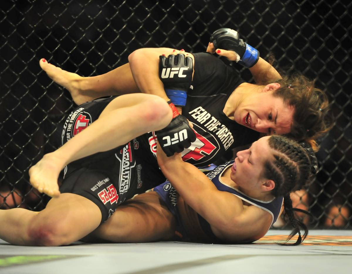 two women in UFC fight