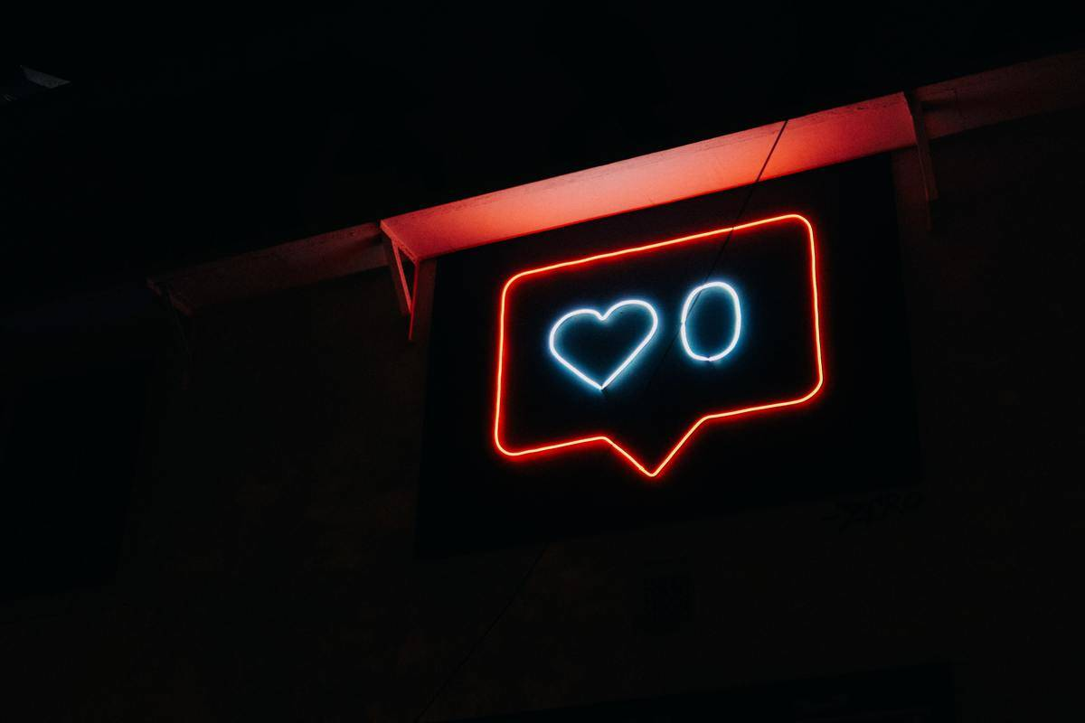 neon sign of instagram like notification for 0