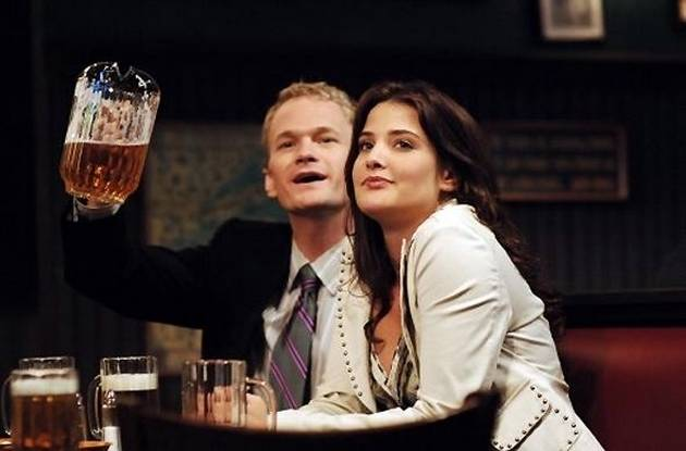 still of barney and robin from How I Met Your Mother at the bar