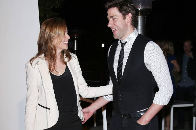 Jenna Fischer (L) and John Krasinski arrive at