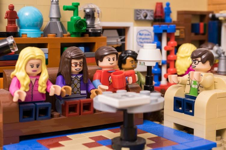Big Bang Theory characters made out of Lego
