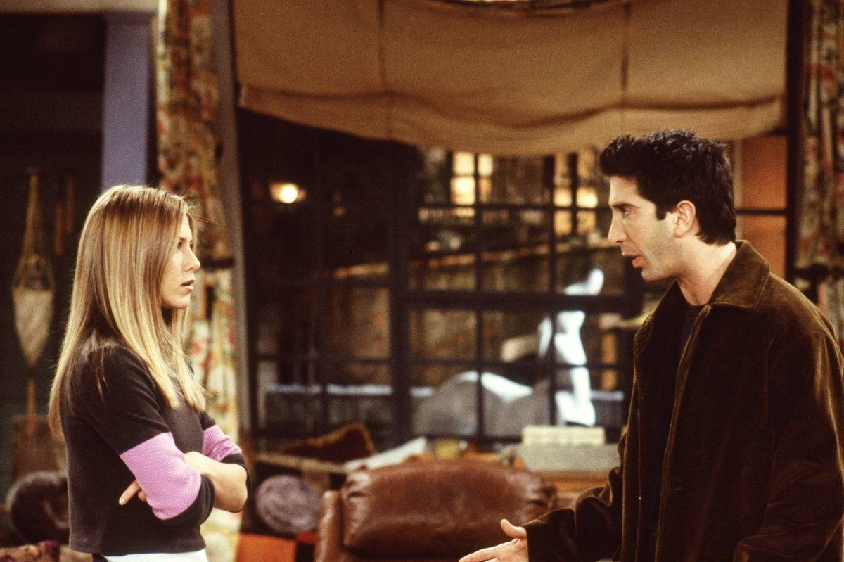 Ross and Rachel arguing about something