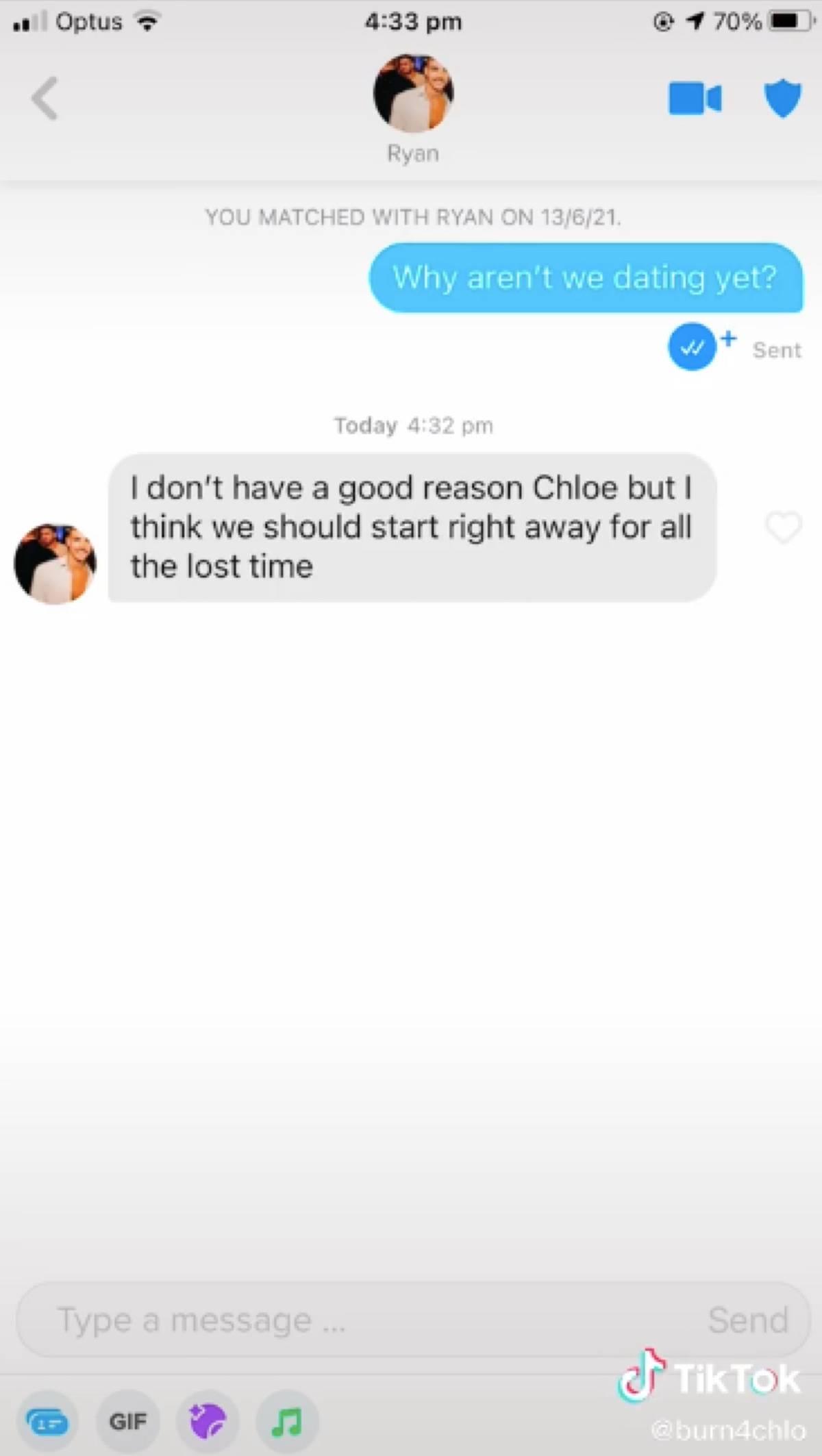 Tinder conversation, Chloe starts