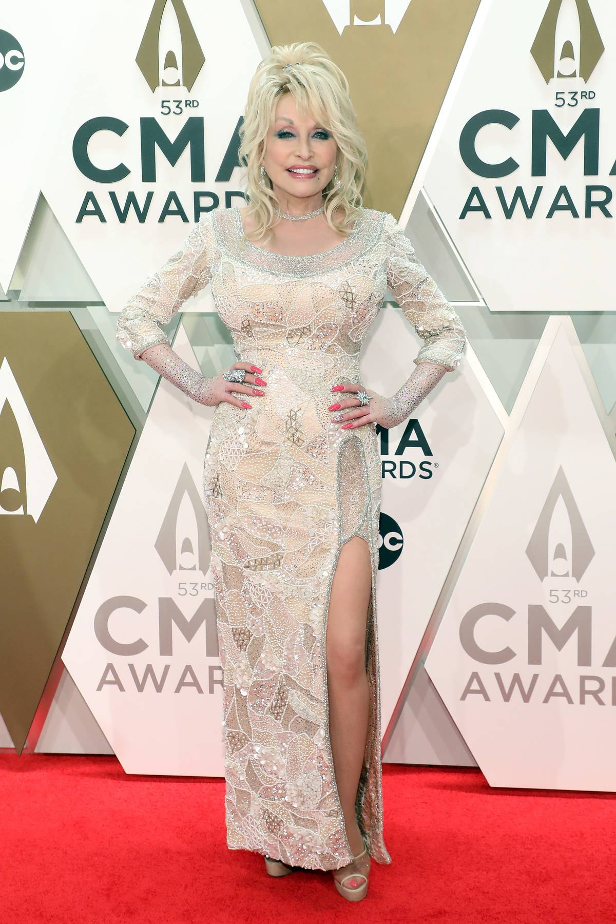 The 53rd Annual CMA Awards - NASHVILLE, TENNESSEE - NOVEMBER 13: (FOR EDITORIAL USE ONLY) Dolly Parton attends the 53nd annual CMA Awards at Bridgestone Arena on November 13, 2019 in Nashville, Tennessee.