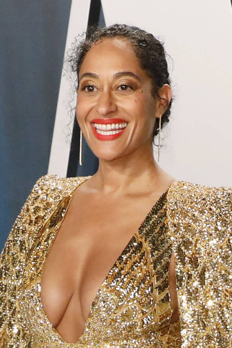 BEVERLY HILLS, CALIFORNIA - FEBRUARY 09: Tracee Ellis Ross attends the 2020 Vanity Fair Oscar Party at Wallis Annenberg Center for the Performing Arts on February 9, 2020 in Beverly Hills, California